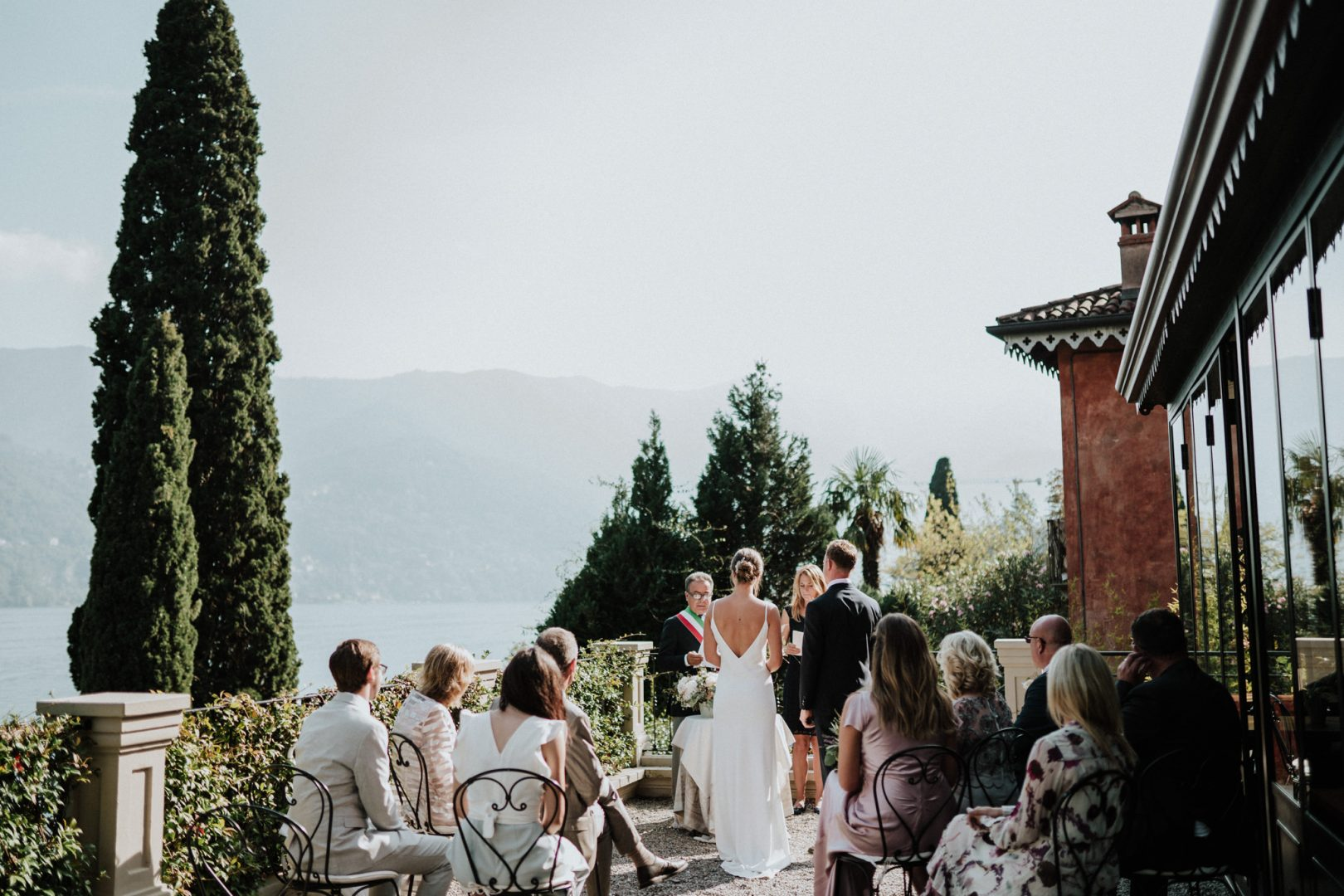 wedding ceremony relais villa vittoria