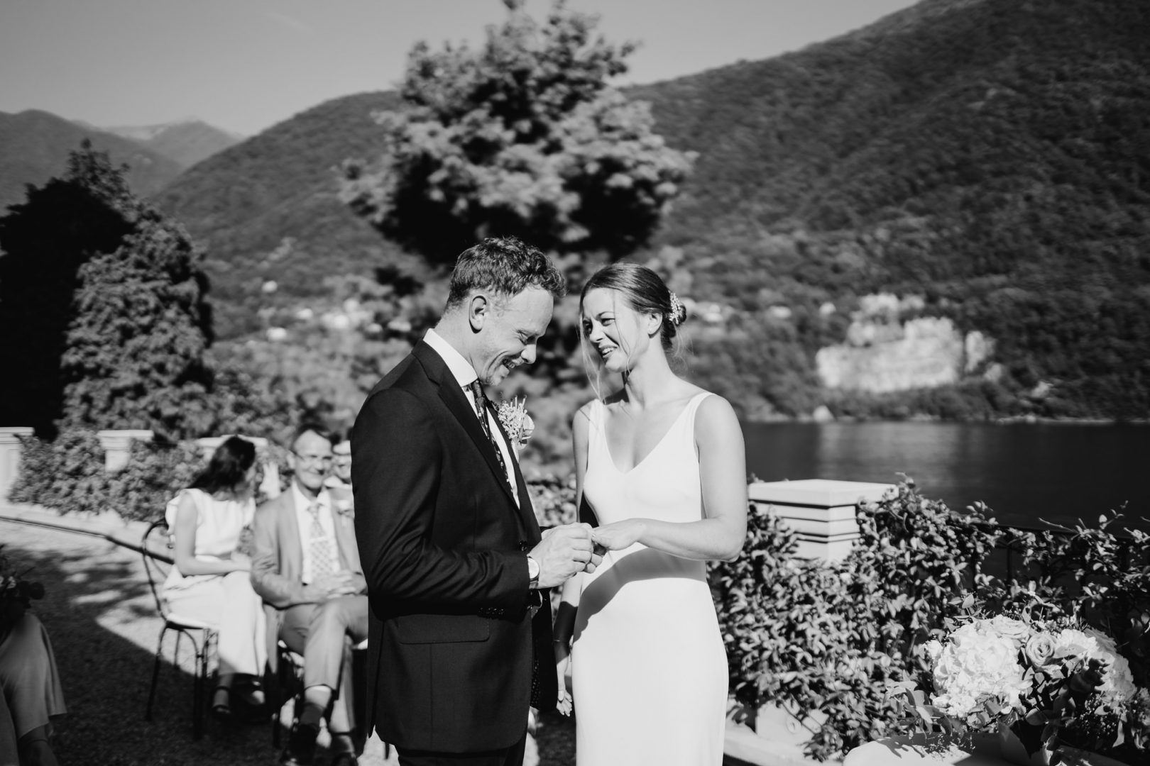 wedding ceremony lake como